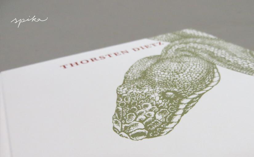 Das Buch mit der Schlange