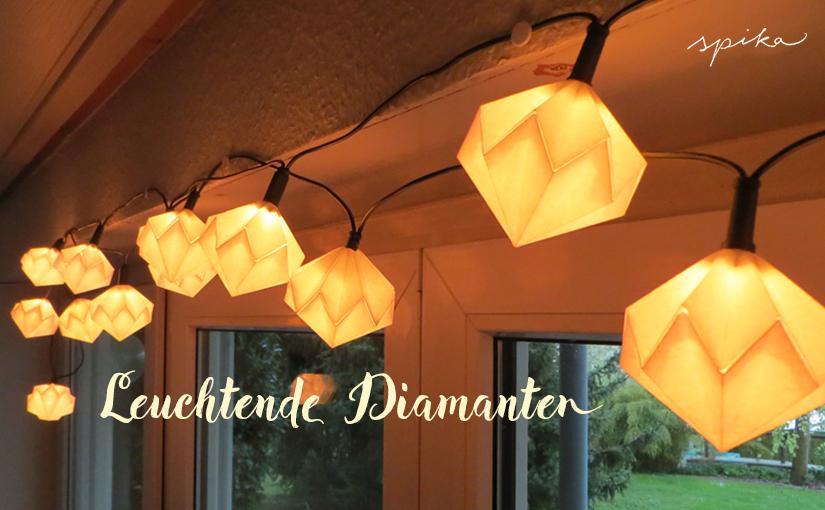 Lichterkette mit Papierdiamanten