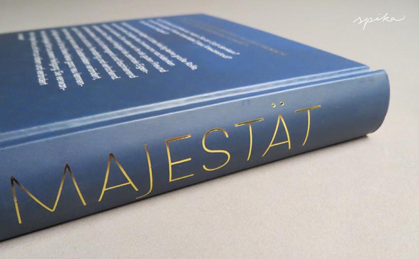 Majestätisches Buch